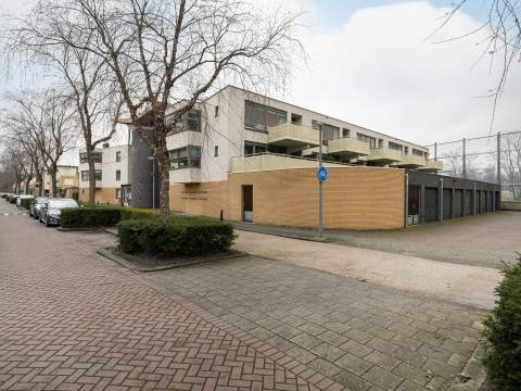 Berkenhof 72